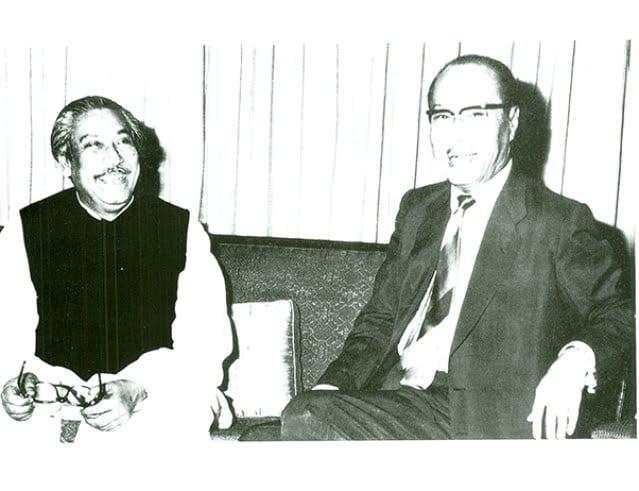 Sheikh Mujibur Rahman with the Burmese President Ne Win on 28 April 1974.